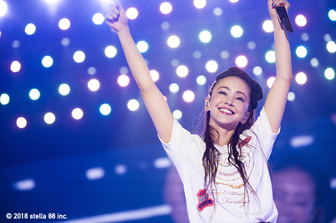 namie-amuro-image-whole